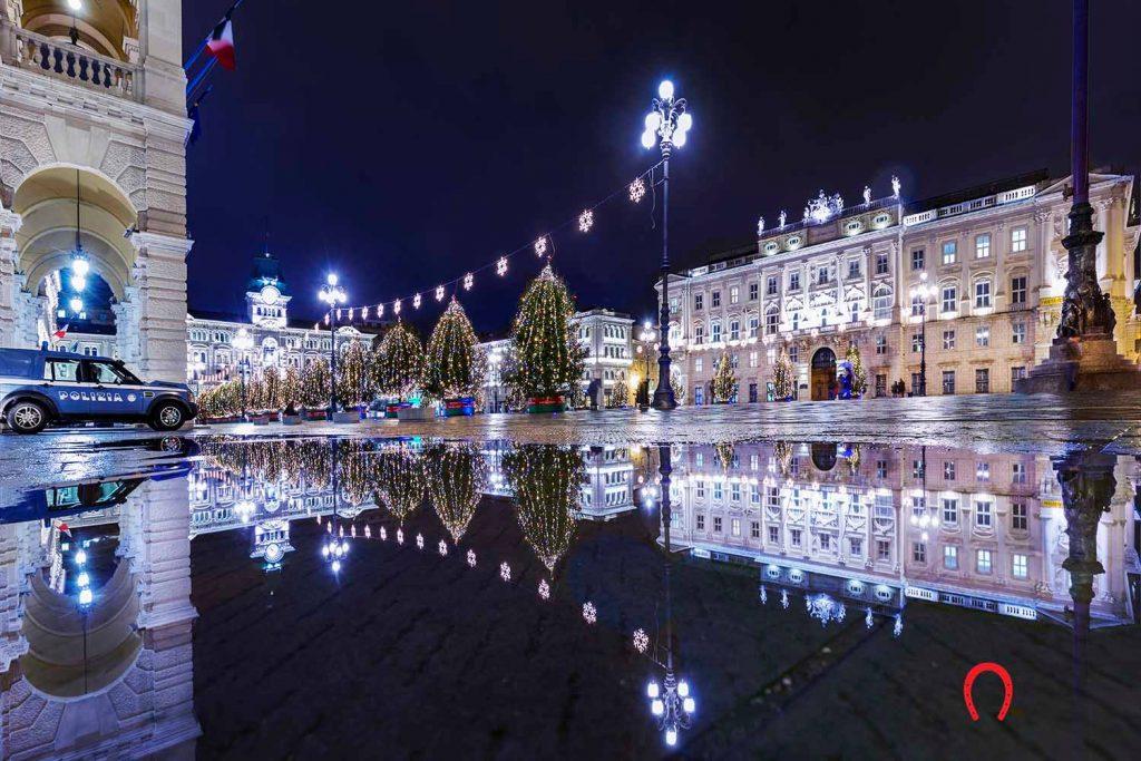 Piazza Unità d'Italia a Natale ph Marino Sterle